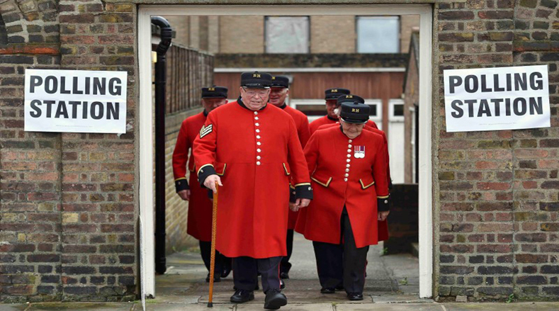 Chelsea Pensioners leave after voting in the EU referendum, at a polling station in Chelsea in London